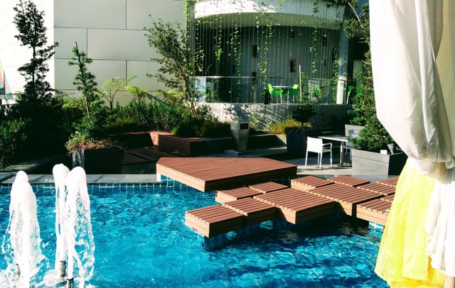 pool-with-composite-decking